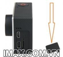 Khay đậy khe thẻ nhớ, sạc, cáp HDMI